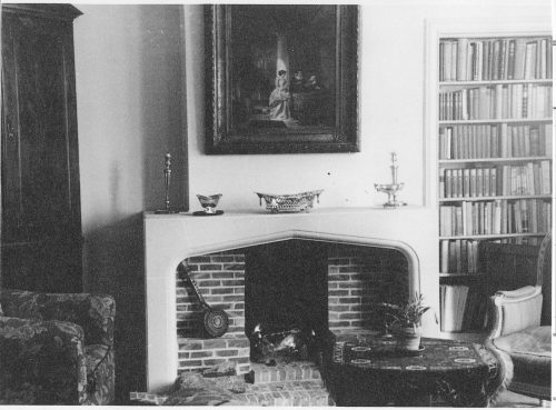Dining room of apartment of Elise Chabot and Charlotte Ambach
