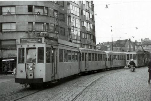 snipped-photo-of-antwerpen-carnotstraat-1960-tram-photo