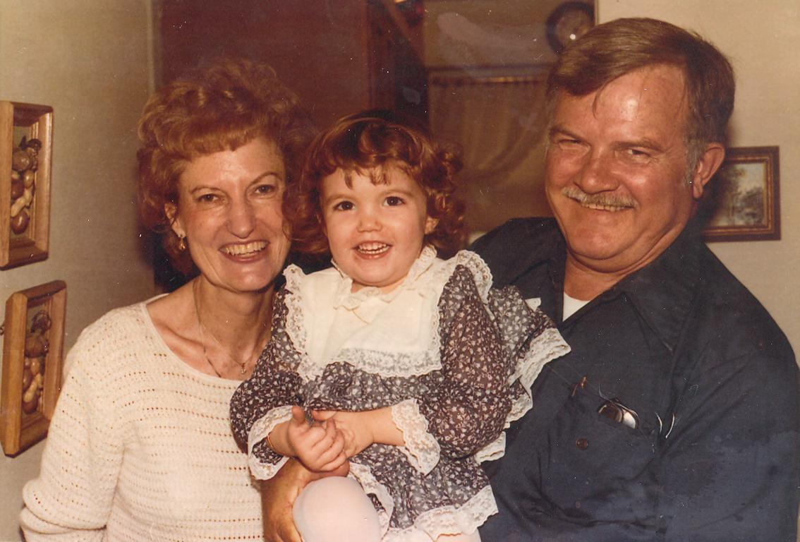 tom-applewhite-wife-and-daughter